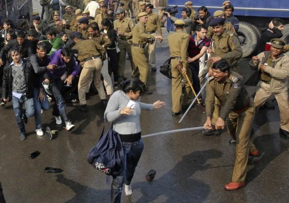 Candle Protests against Delhi Gang Rape (Courtesy: ibtimes-co-uk)